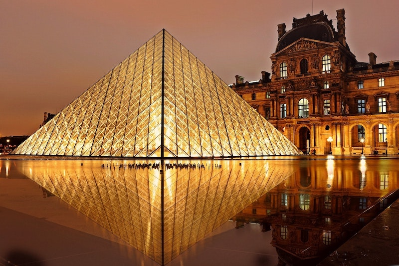 globedge-travel-paris-louvre