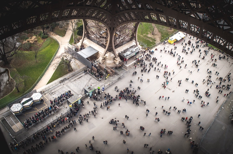 globedge-travel-paris-eiffel-tower-view-inside