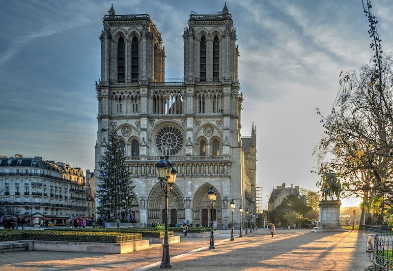 globedge-travel-paris-notre-dame-cathedral