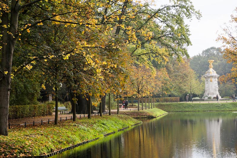 globedge-travel-berlin-tiergarten-trees-changing-seasons