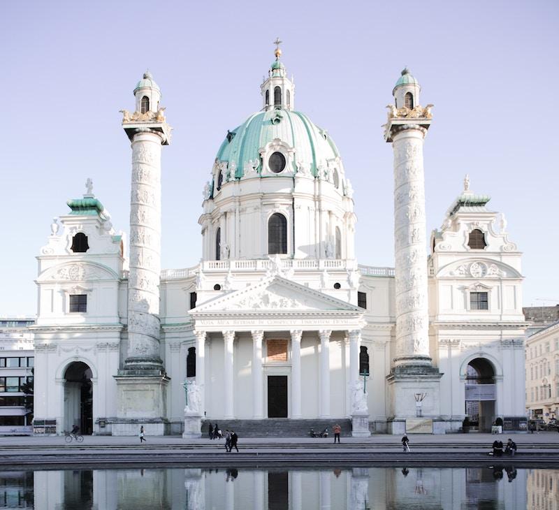 globedge-travel-vienna-karlskirche