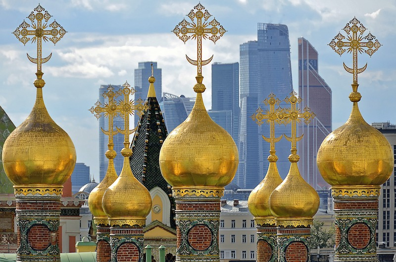 globedge-travel-moscow-skyscrapers-old-new