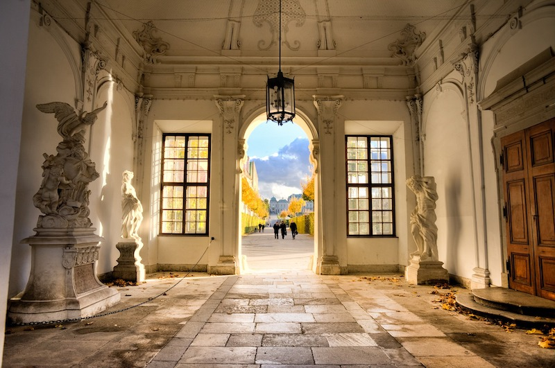 globedge-travel-austria-vienna-old-building