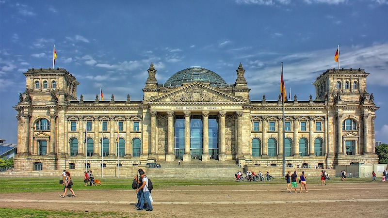 globedge-travel-germany-reichstag-berlin