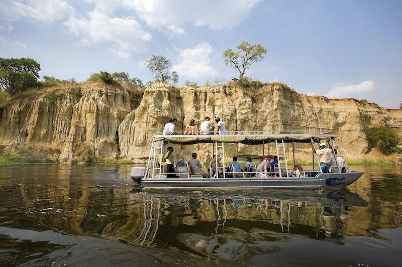 globedge-travel-uganda-murchison-national-park-boat