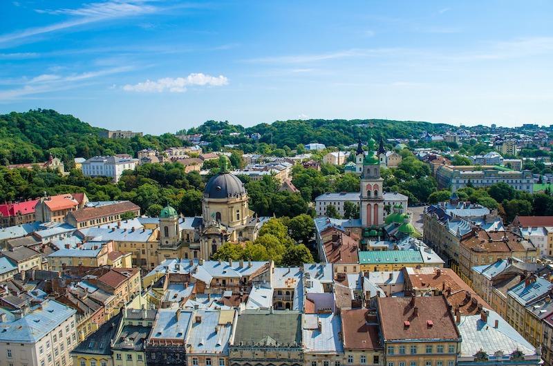 globedge-travel-ukraine-lviv-cityscape